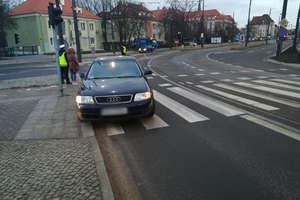 Zderzenie dwóch pojazdów w Olsztynie. Kierowcy, uważajcie na utrudnienia!