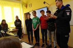 Niezwykła lekcja edukacji dla bezpieczeństwa w szkole w Wojciechach
