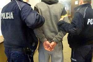 33-latek podciął bratu gardło. Usłyszał zarzut usiłowania zabójstwa
