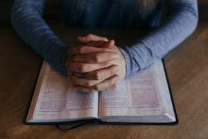 Lewica: A może zacząć oszczędzać na religii w szkołach? [SONDA]
