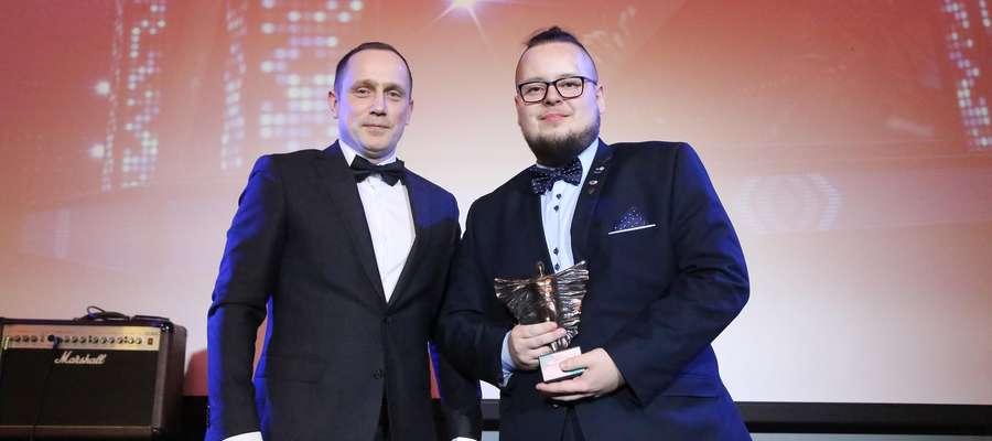 """Kamil Lentacz, dyrektor Centrum Logistycznego Zalando Lounge Polska, i Maciej """"Kaszak"""" Kaszucki"""