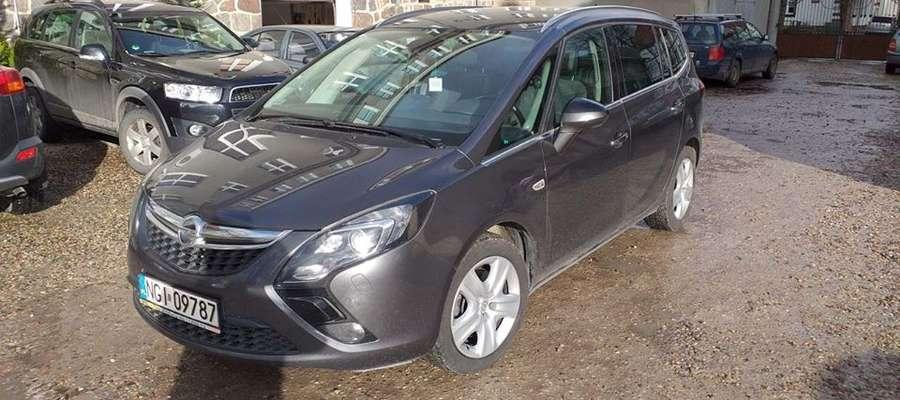 Opel zafira pozostanie do dyspozycji szpitala