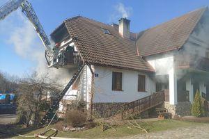Pożar w pensjonacie. Trzy osoby trafiły do szpitala