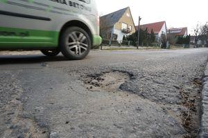 Mieszkańcy ulicy Bydgoskiej: Żyć się nie da z ciężarówką za oknem