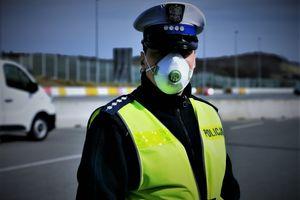 Policyjna kontrola drogowa w czasie zagrożenia epidemią koronawirusa [VIDEO]