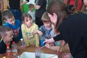 Warsztaty uczniów Norwida dla przedszkolaków
