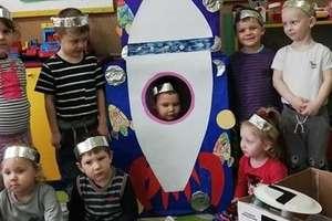Przedszkolaki poznawały kosmos