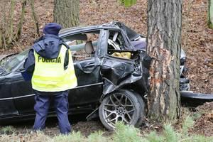 Wypadek pod Olsztynem. Kierowca BMW trafił do szpitala