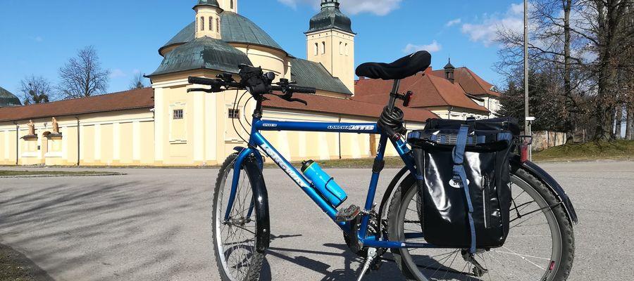 Jadąc z Bartoszyc do Lidzbarka Warmińskiego można zatrzymać się choćby w Stoczku Klasztornym