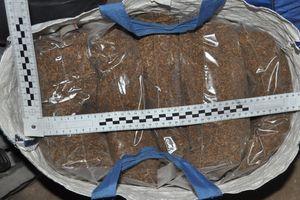 Prawie 180 kg nielegalnego tytoniu zabezpieczyli policjanci