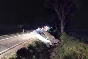 Rożental: Audi w rowie, kierowca pijany