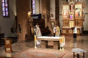 Msza Krzyżma w konkatedrze św. Jakuba w Olsztynie [TRANSMISJA NA ŻYWO]