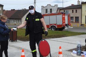 Druhowie ochotnicy są dobrzy na wszystko!!! Teraz pomagają w dystrybucji maseczek mieszkańcom gminy Kurzętnik...