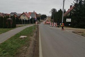 Nie ma przerw w przebudowie drogi w Mierkach