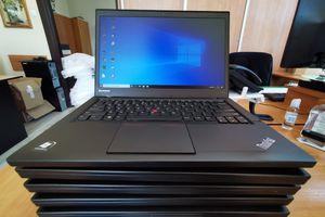 Sto laptopów dla giżyckich szkół podstawowych