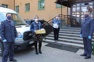 Więźniowie z Warmii i Mazur pomagają. Uszyte przez osadzonych maseczki chronią podopiecznych domów pomocy i szpitali [AKTUALIZACJA]