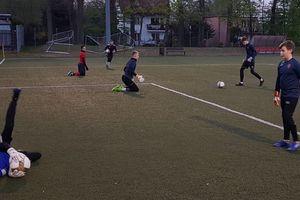 Młodzi piłkarze AP Ostróda wznowili treningi na świeżym powietrzu