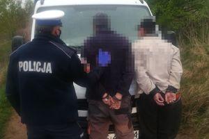 Kierowca byłpijany, pasażer wręczył policjantom łapówkę