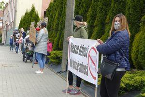 Rodzice protestowali przeciwko likwidacji kuchni w przedszkolach
