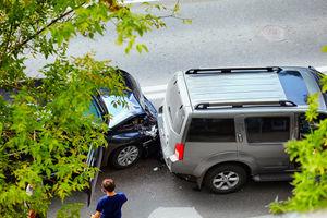 Wypadek, kolizja - kiedy wzywać policję?