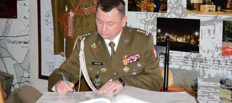 Dowódca 20 Bartoszyckiej Brygady Zmechanizowanej płk. Piotr Kriese