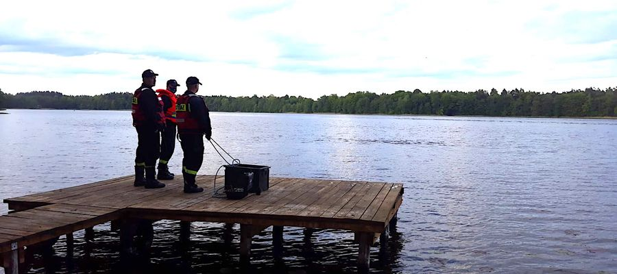 Na miejscu pracowali strażacy z grupy wodno-nurkowej w Ostródzie oraz zastęp z OSP Miłomłyn