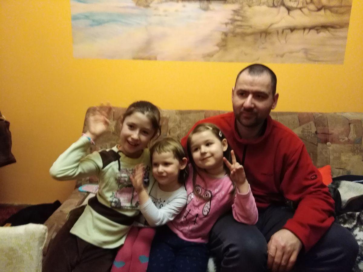 Z córeczkami i ich kuzynką