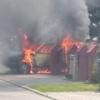 Pożar golfa na Lipowym Dworze. Auto nadaje się tylko do zezłomowania