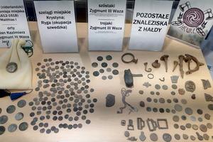 Pasjonaci zaprezentowali swoje odkrycie - 680 monet z XVII wieku