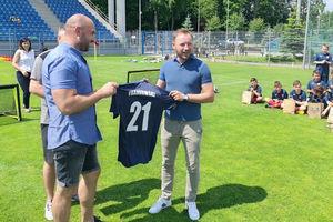 Franek łowca bramek odwiedził Ostródę. Spotkał się z piłkarzami ostródzkiej Akademii Piłkarskiej