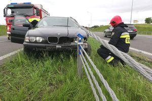 Wypadek na obwodnicy Olsztyna. Trwają poszukiwania kierowcy i pasażerki [ZDJĘCIA]
