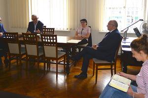 Dyrektorzy rozmawiali z burmistrzem o zakończeniu roku szkolnego