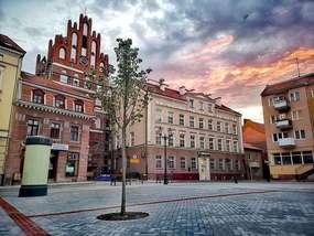 Bartoszyckie stare miasto o zachodzie słońca.