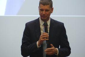 Minister Edukacji Narodowej Dariusz Piontkowski podczas wizyty w Bartoszycach
