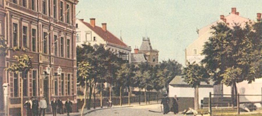 Po lewej – budynek, w którym mieściła się w 1920 r. siedziba Mazurskiego Komitetu Plebiscytowego