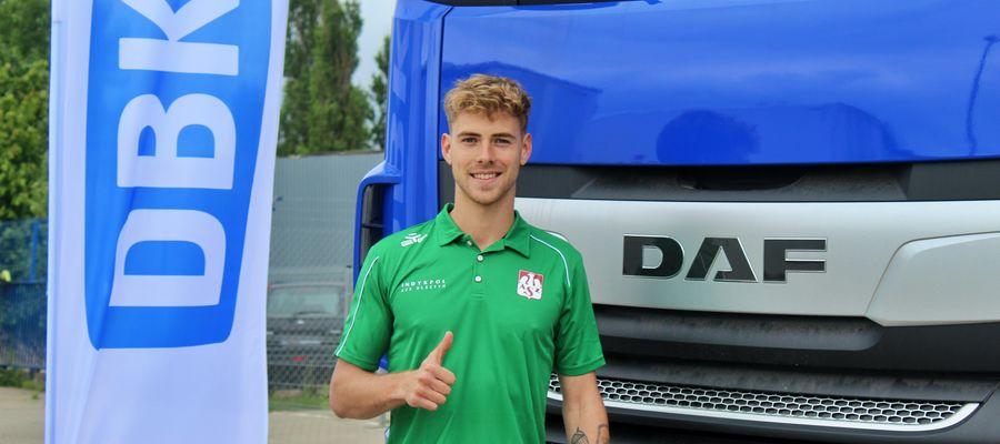 Kamil Droszyński po raz pierwszy zaprezentował się w barwach Indykpolu AZS w siedzibie jednego ze sponsorów klubu, Grupy DBK
