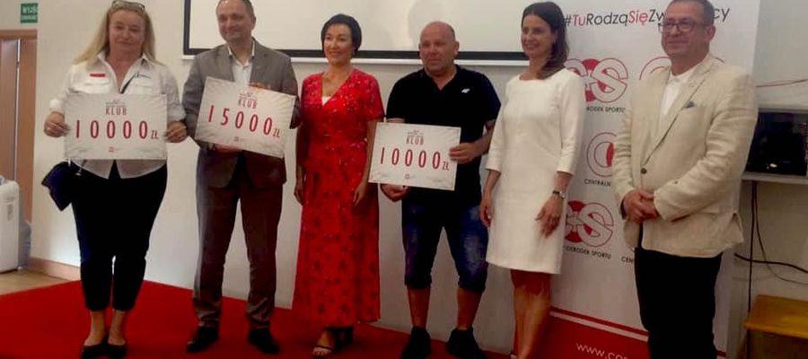 Minister Sportu wręczyła bony trzem giżyckim klubom