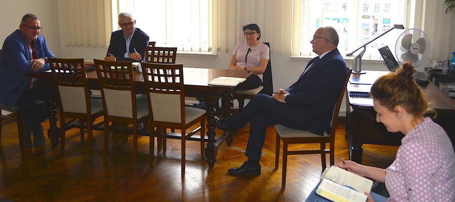 Spotkanie burmistrza z dyrektorami szkół