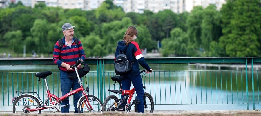 Coraz chętniej po mieście poruszamy się na rowerze