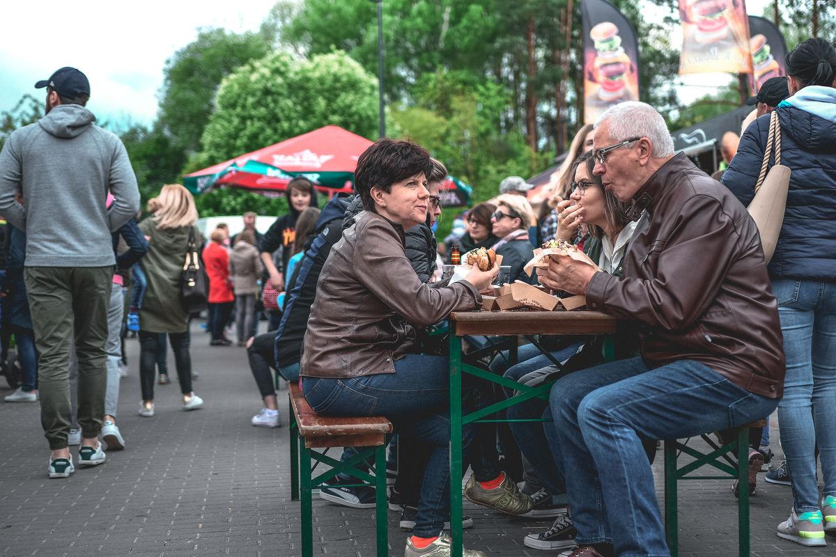 Food trucki przyjeżdżają do Olsztyna! Festiwal Smaków Food Trucków już 11 i 12 lipca.  - full image