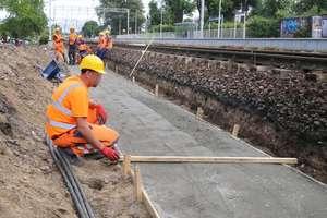 Na przystanki kolejowe w Olsztynie jeszcze sobie poczekamy