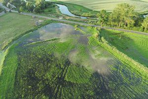 Łyna zalewa łąki i pastwiska. Zebrał się sztab kryzysowy
