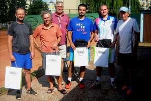 """Na """"Skandzie"""" odbył się turniej deblowy tenisa ziemnego"""