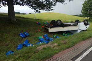 Na DK 15 przewrócił się  samochód  przewożący butle z gazem