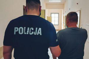 Poszukiwany Europejskim Nakazem Zatrzymania za przestępstwa paserstwa i udział w zorganizowanej grupie przestępczej, zatrzymany podczas kontroli drogowej