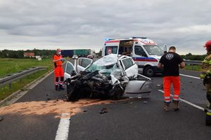 Tragiczny wypadek na DK16. Zginął 20-letni kierowca opla