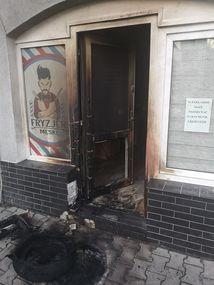 W Bartoszycach podpalono jeden z zakładów fryzjerskich.