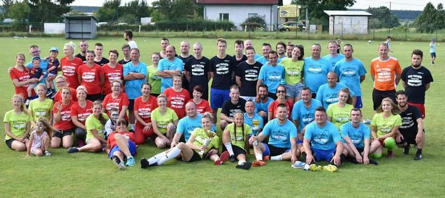 W obu spotkaniach na boisku w Tyrowie zagrało ponad 60 zawodników