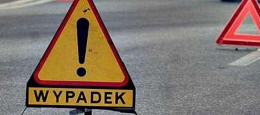 Śmiertelne potrącenie rowerzystki na DK 58. Droga jest zablokowana!