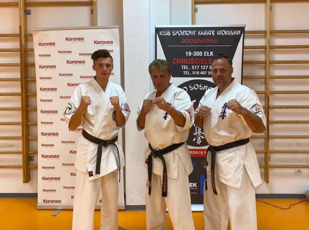https://m.wm.pl/2020/08/orig/karate3-640877.jpg